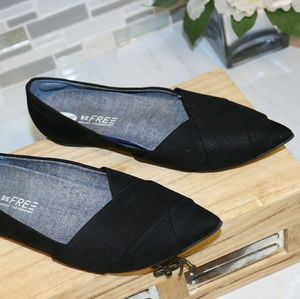 Dr. Scholl's black pointed flats